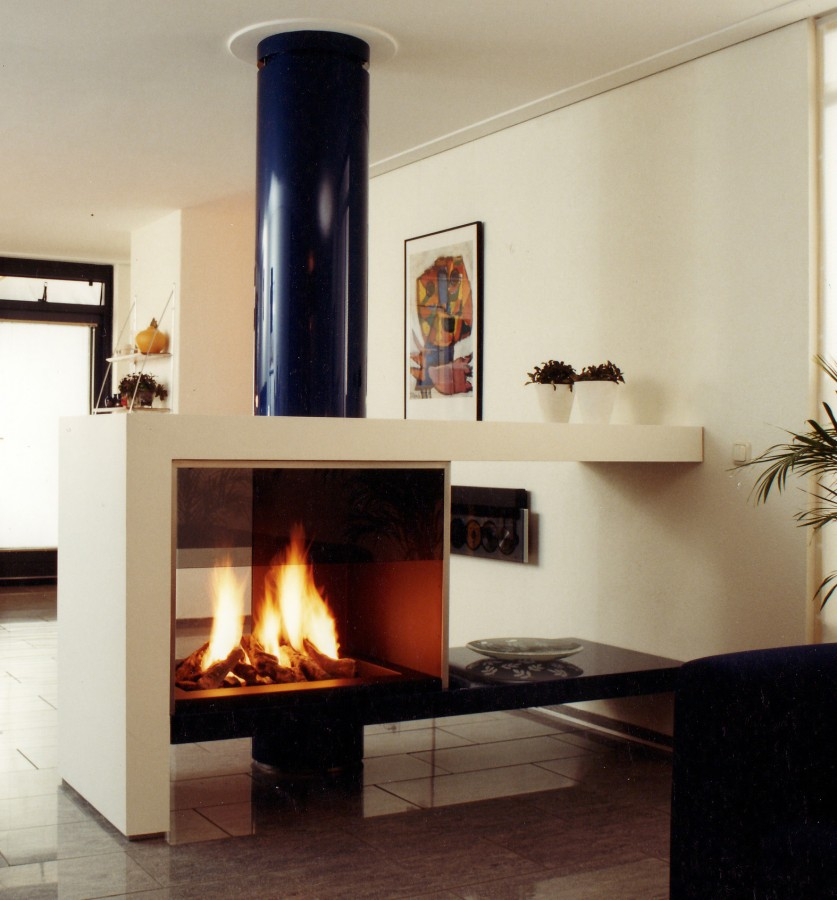 double sided fireplaces see through fireplaces tunnel fire. Black Bedroom Furniture Sets. Home Design Ideas
